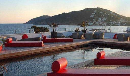 7 playas de espa a que conocera alojandose en hoteles con for Hoteles de superlujo en espana