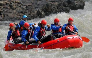 7 Consejos de Seguridad en el Rafting y Descenso de Aguas Bravas Cerca de Madrid