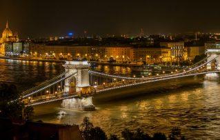 10 Sitios y Actividades de las que Puede Disfrutar en la Ciudad de Budapest en su Puente de Agosto
