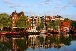 Hoteles Baratos en Amsterdam cerca del centro